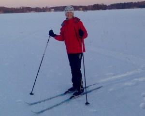 Hyvä on hiihtäjän hymyillä luonnon lumilla!