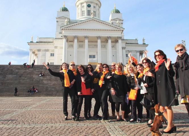 Suomi-oppaat edustavat Suomea tyylikkäästi ja iloisesti
