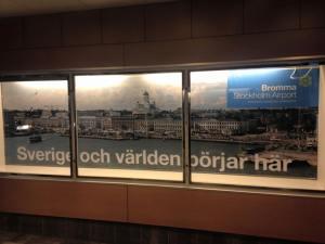 Lotta Backlund otti kuvan Bromman lentokentällä